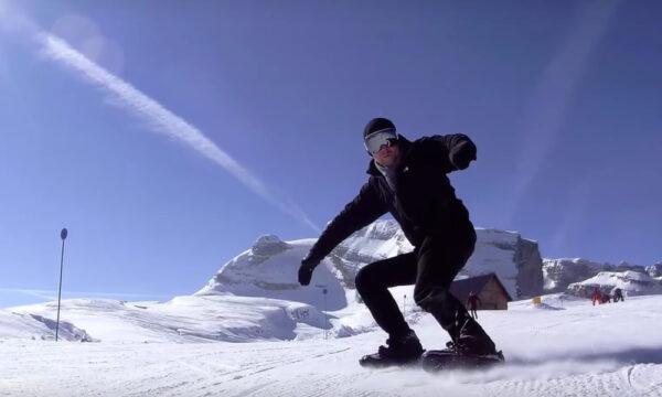 Snow Blanding un fel de minischi